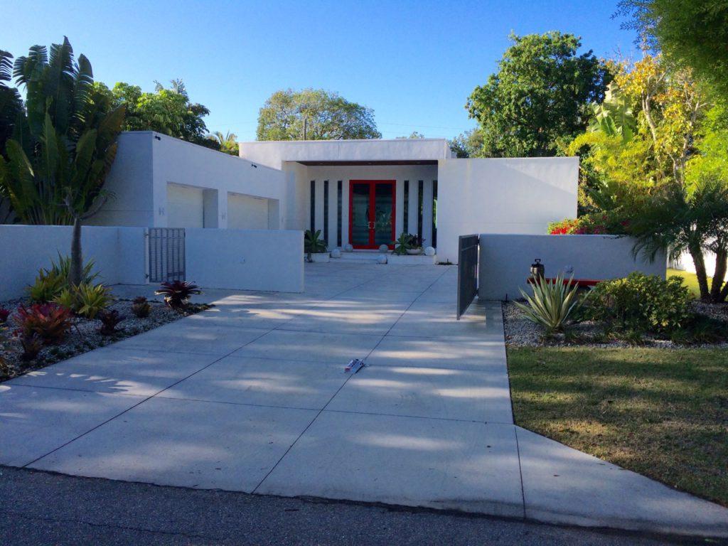 Spring Creek Red Door House - Mark Sultana DSDG